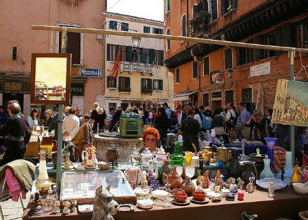 antique market venice